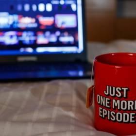 """Netflix """"czyści magazyny"""". Jakie tytuły znikną z platformy?"""