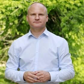 """Widzowie oburzeni zachowaniem Waldemara. Uczestnik """"Rolnika..."""" nie wybrał żadnej kandydatki!"""