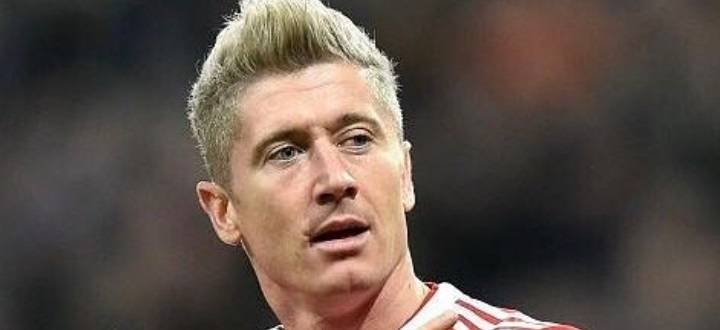 Robert Lewandowski Pożegnał Się Z Blondem Piłkarz Ma Już Inną