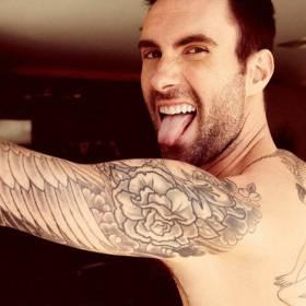 Zobacz nowy tatuaż Adama Levine'a – który zajmuje całe jego plecy!