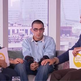 """Niepokojący i zagubiony Quebonafide na kanapie """"Dzień dobry TVN"""". Marcin Prokop komentuje niecodzienny wywiad"""